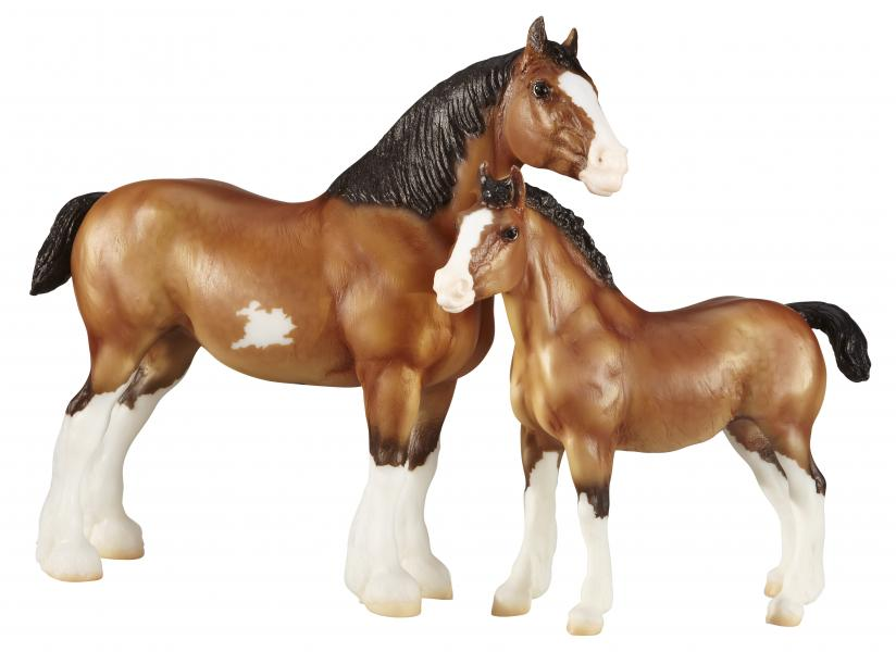 Breyer - Clydesdale Mare and foal