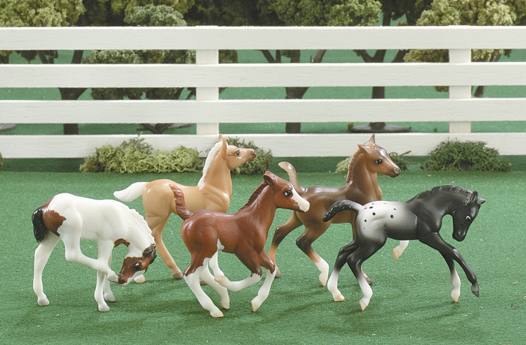 Breyer - Stablemates 5pcs Fun Foals